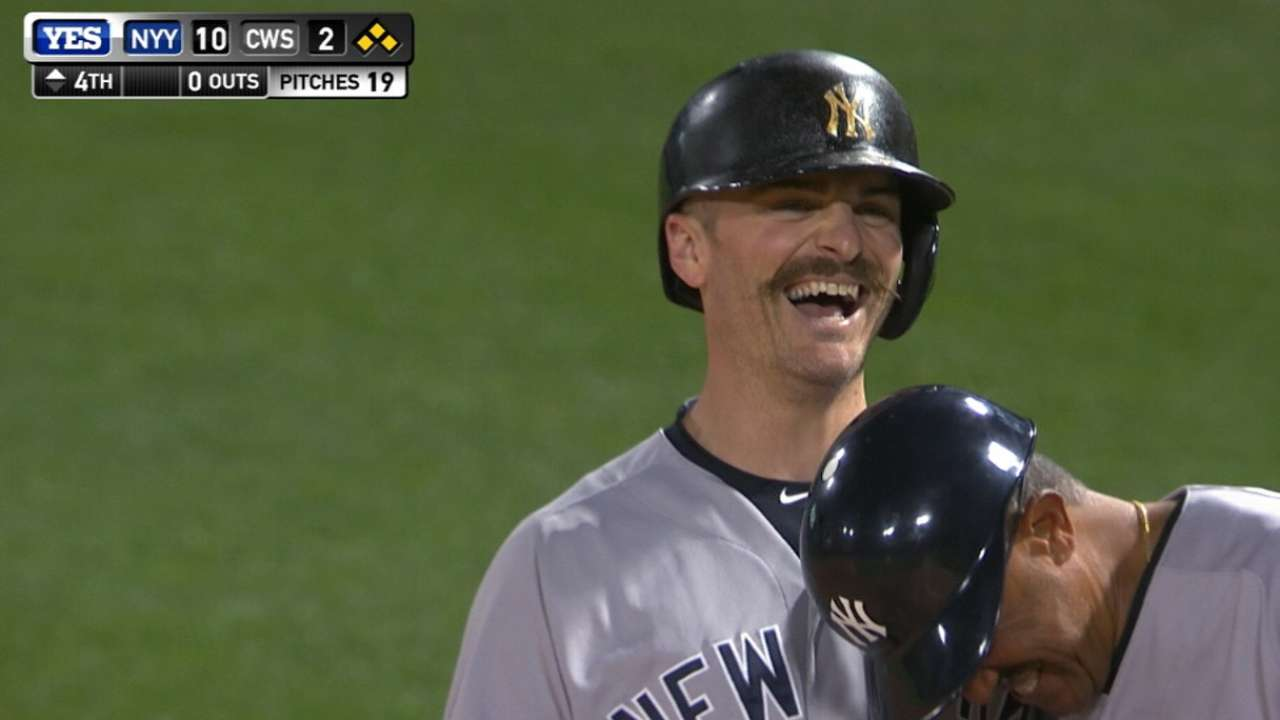 Yankees pile on in 4th