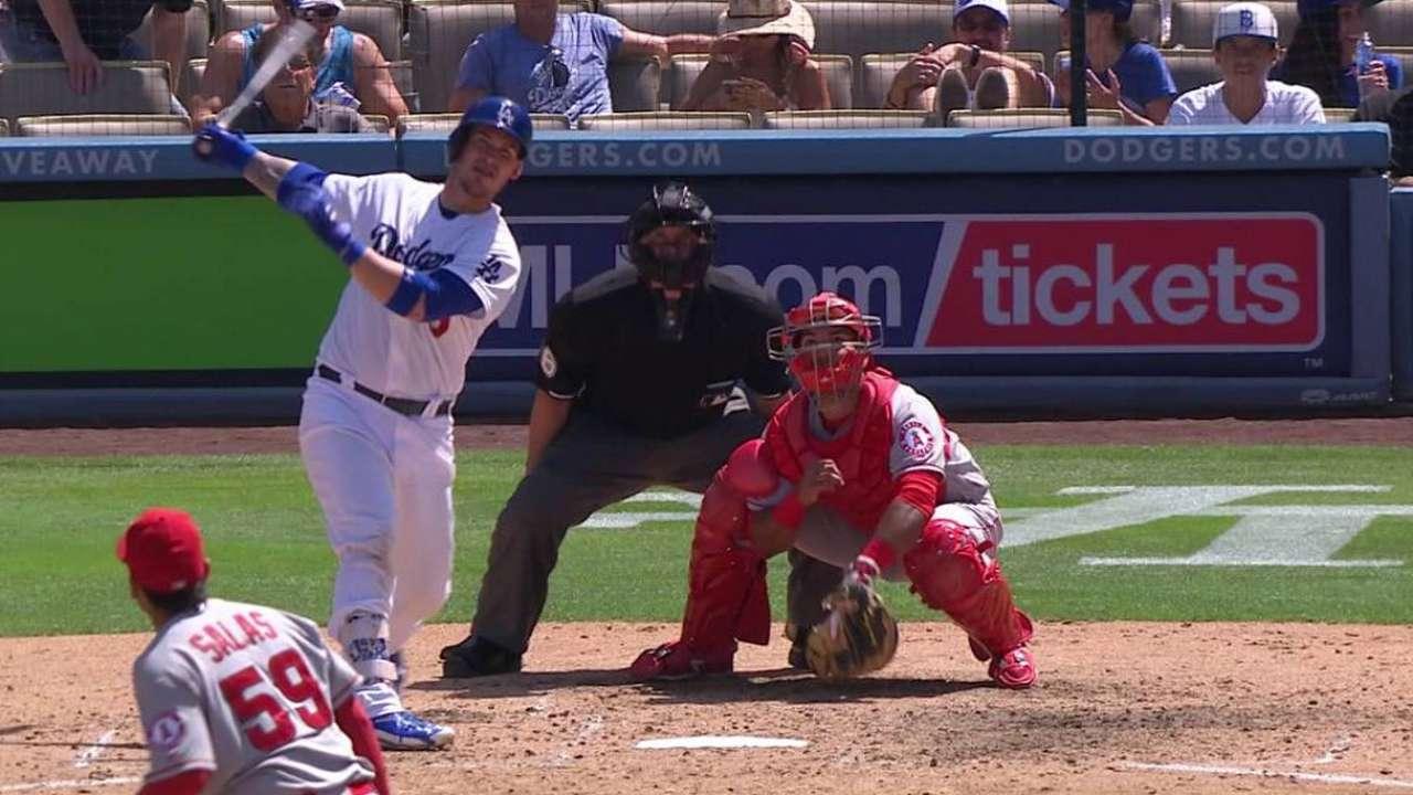 Kershaw estira racha de ceros y Dodgers superan a Angelinos