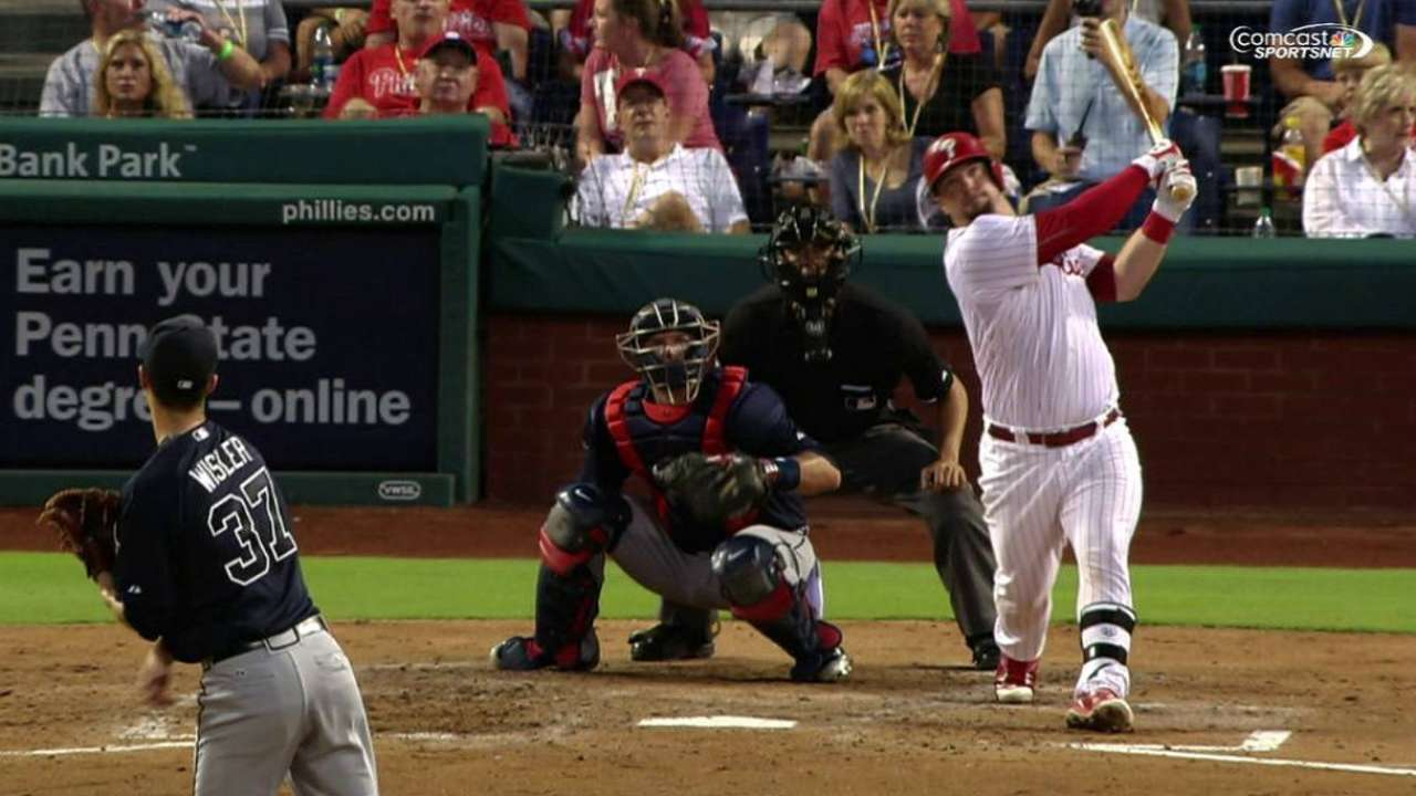 Phillies score 12 unanswered in win over Braves