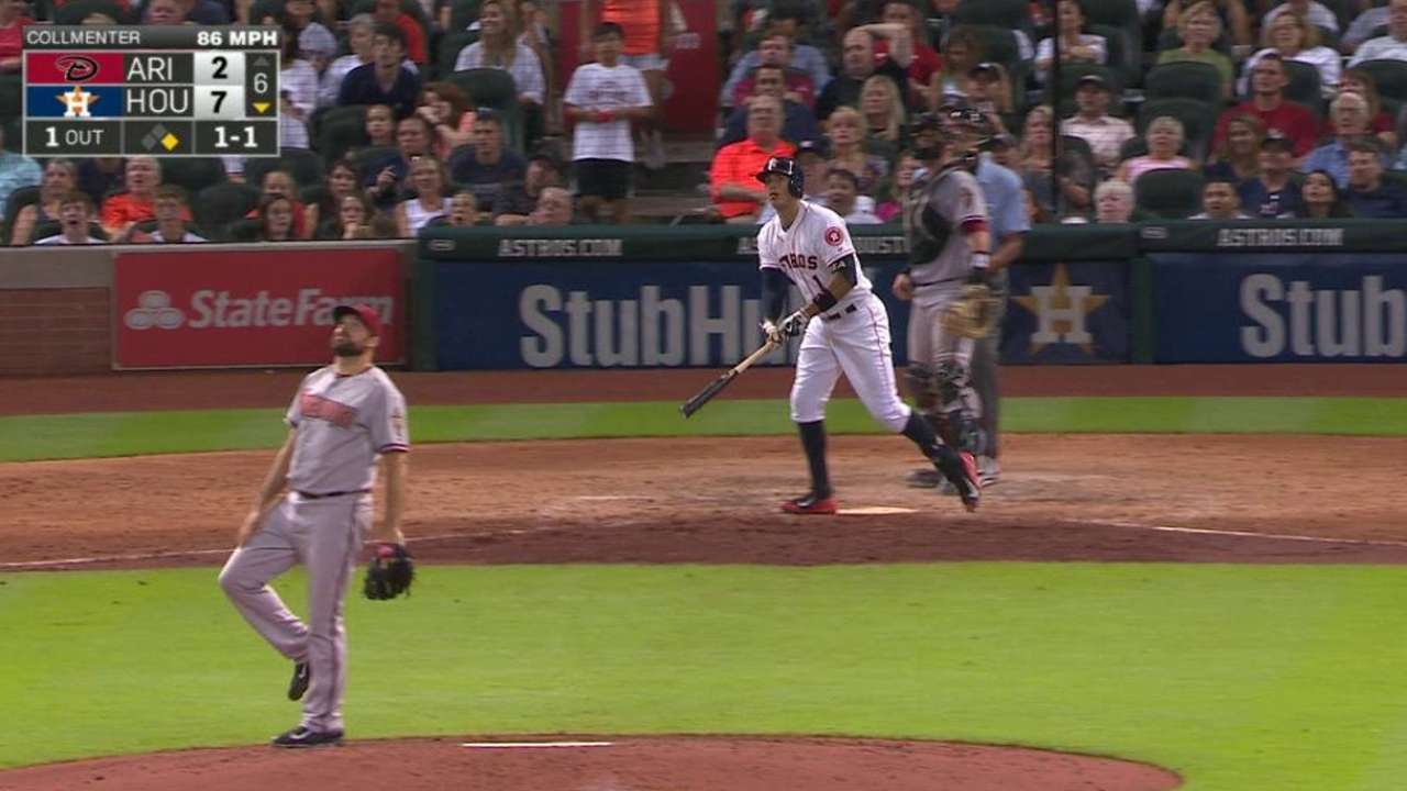 HR de Correa, Conger impulsan a Astros en Arizona