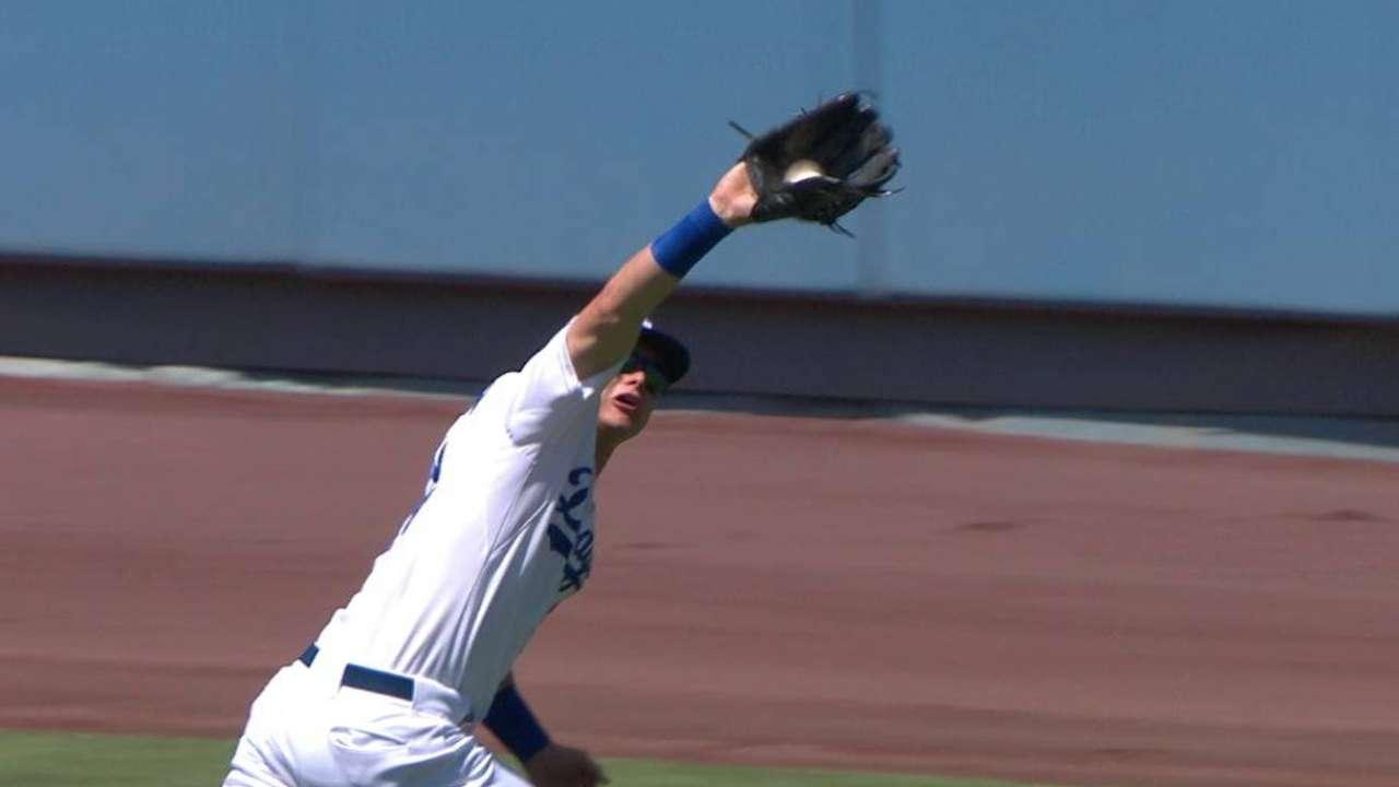 Dodgers sticking with Pederson despite slump