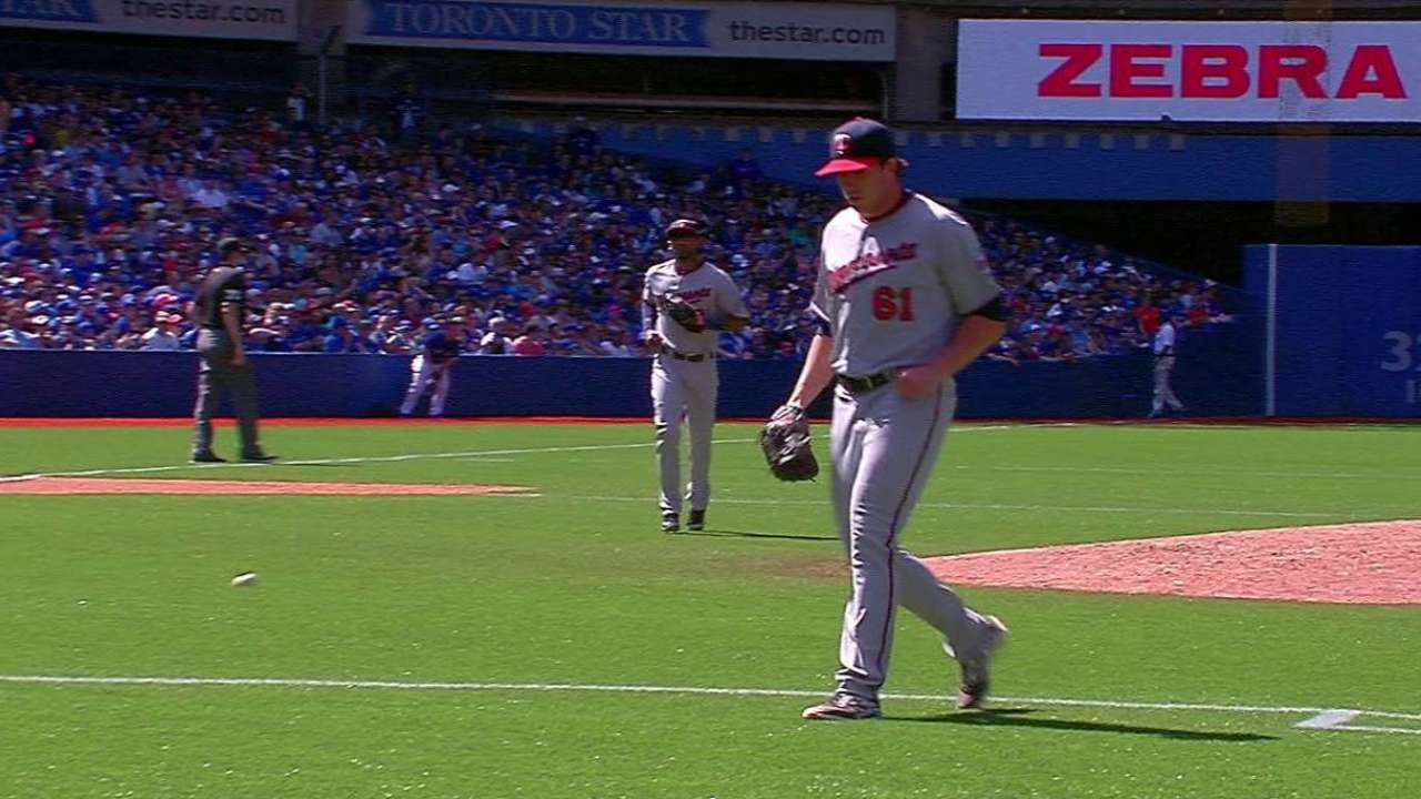 Santana outdueled by Price as Twins fall to Jays