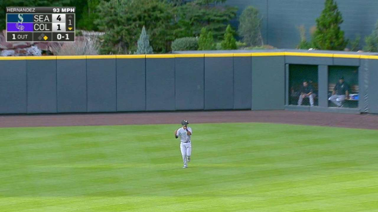 Mariners give Marte work in center field
