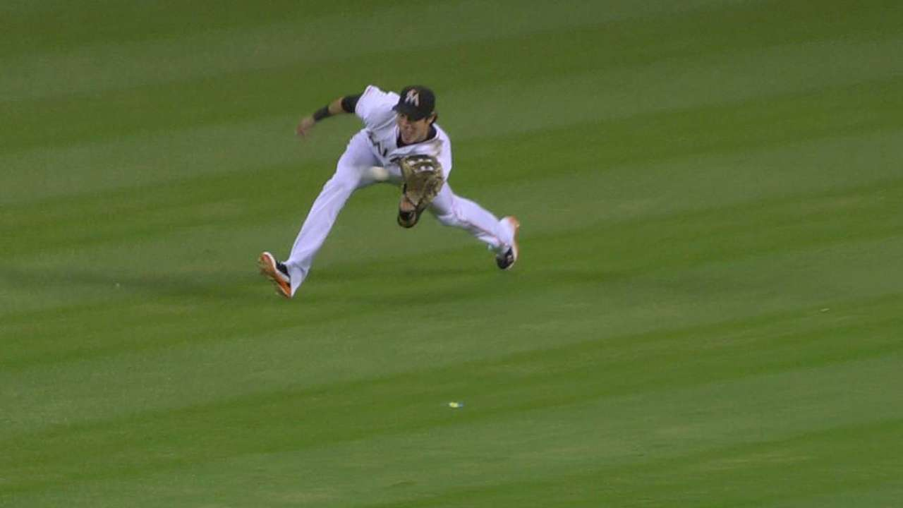 Yelich's sliding catch