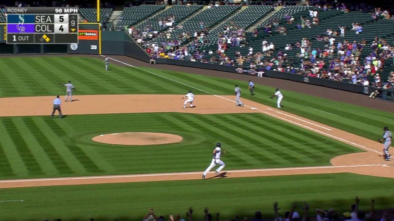 Parker's game-tying RBI single