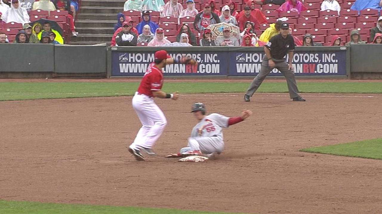 Piscotty out at second