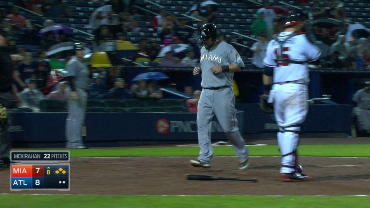 Yelich beats double play for tie