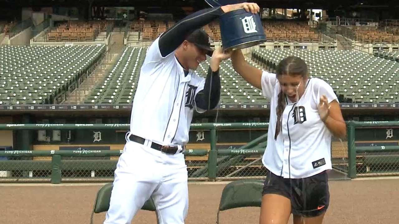 Tigers take Ice Bucket Challenge
