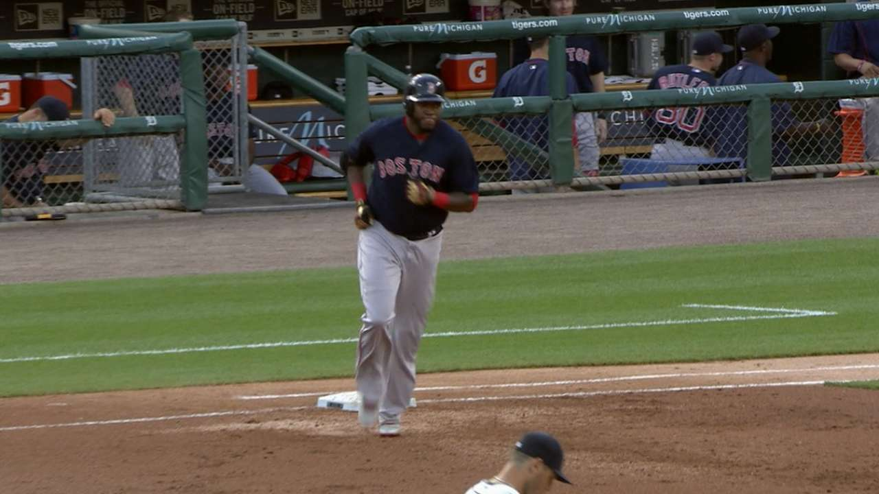 Papi's homer propels Sox to win over Tigers