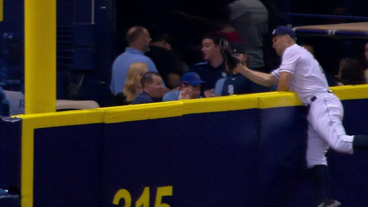 Sizemore's outstanding catch