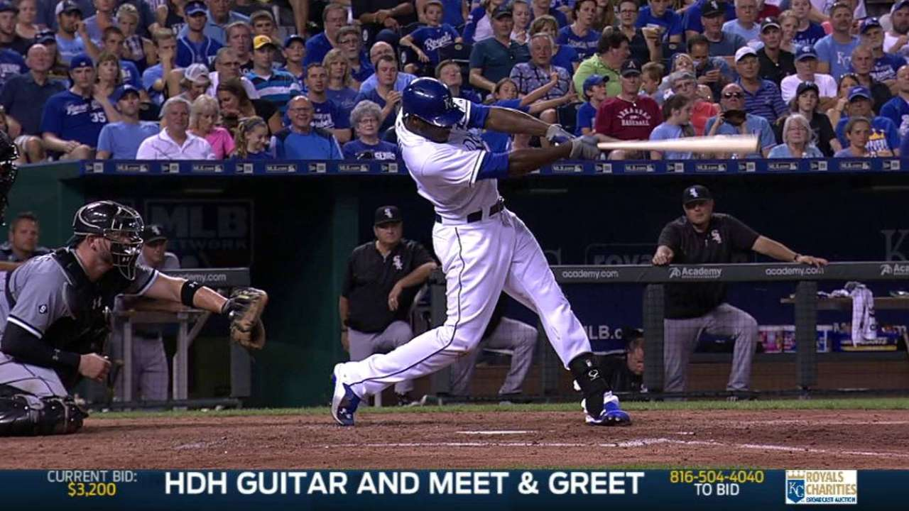 Royals hold off White Sox in series opener