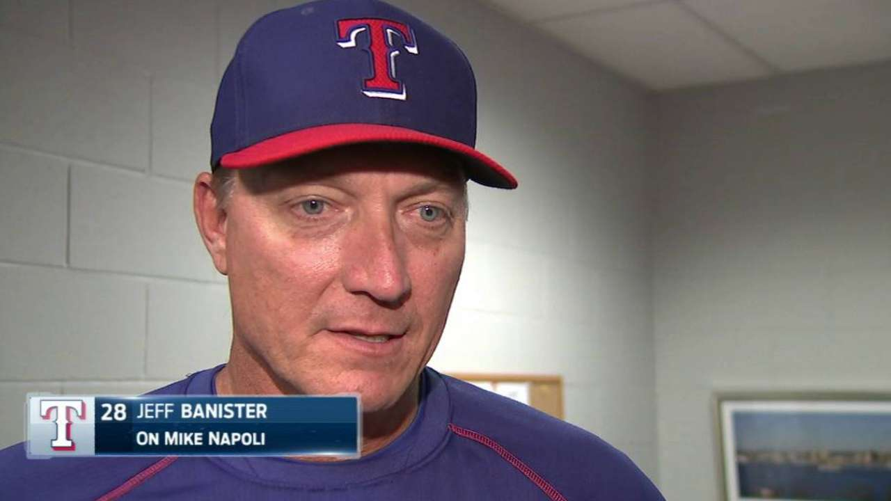 Napoli returns to Rangers in deal with Sox