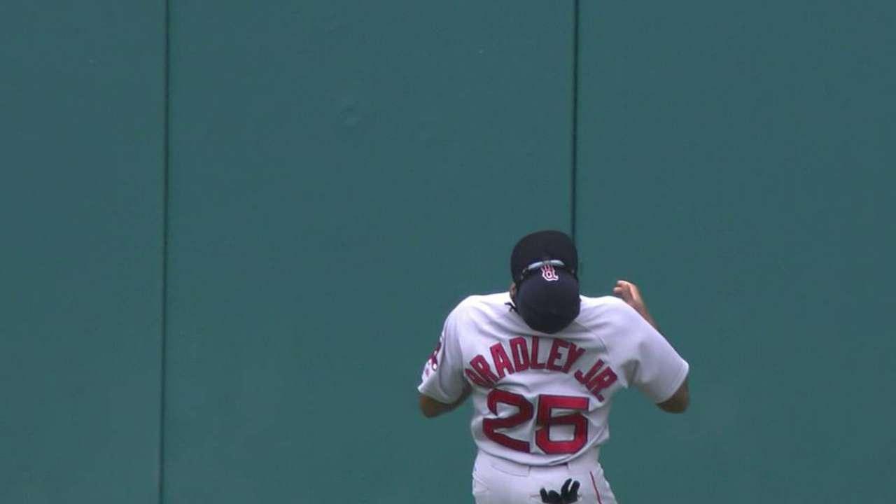 Bradley Jr.'s amazing catch