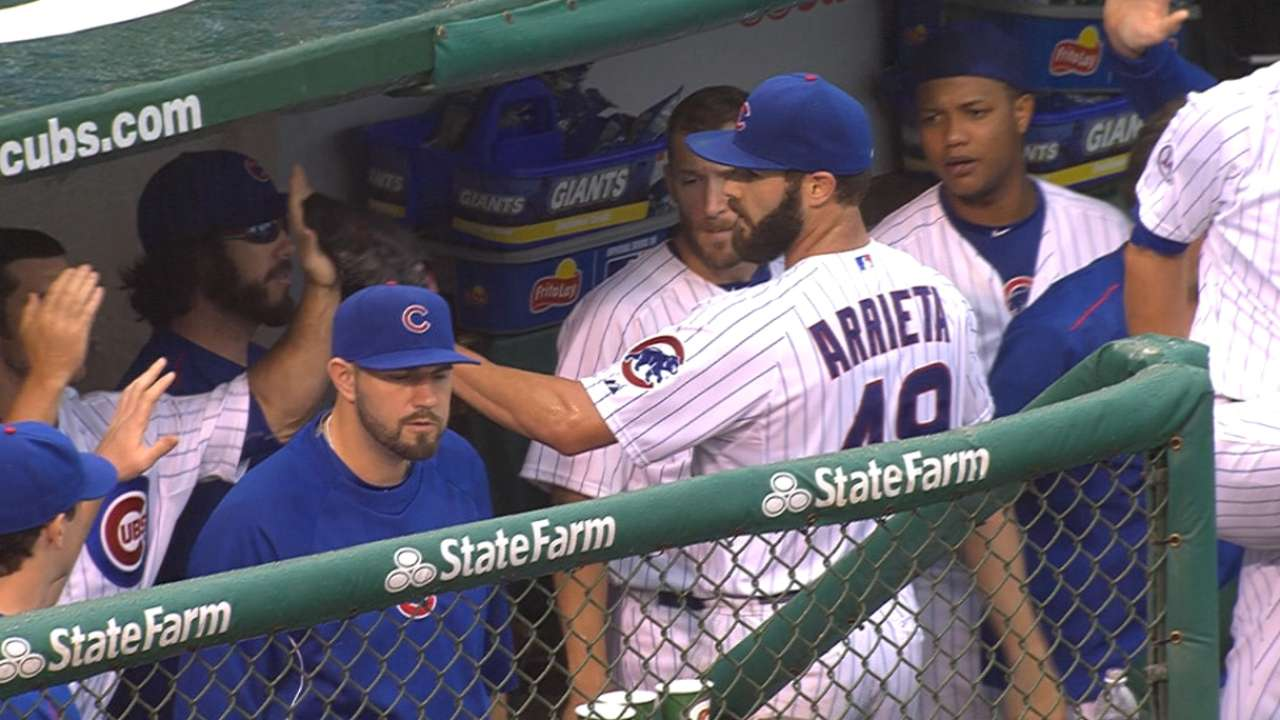Sizzling Cubs complete sweep of Giants