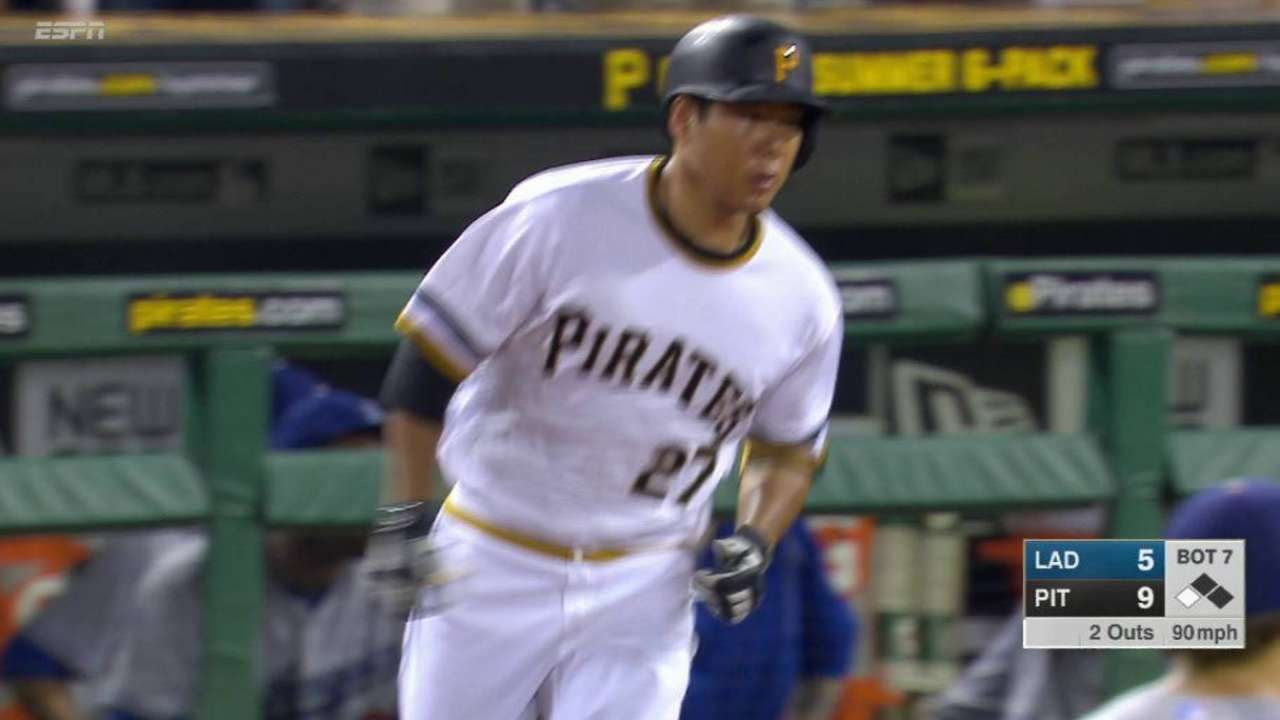 Pirates erupt with 9-run 7th, sweep Dodgers