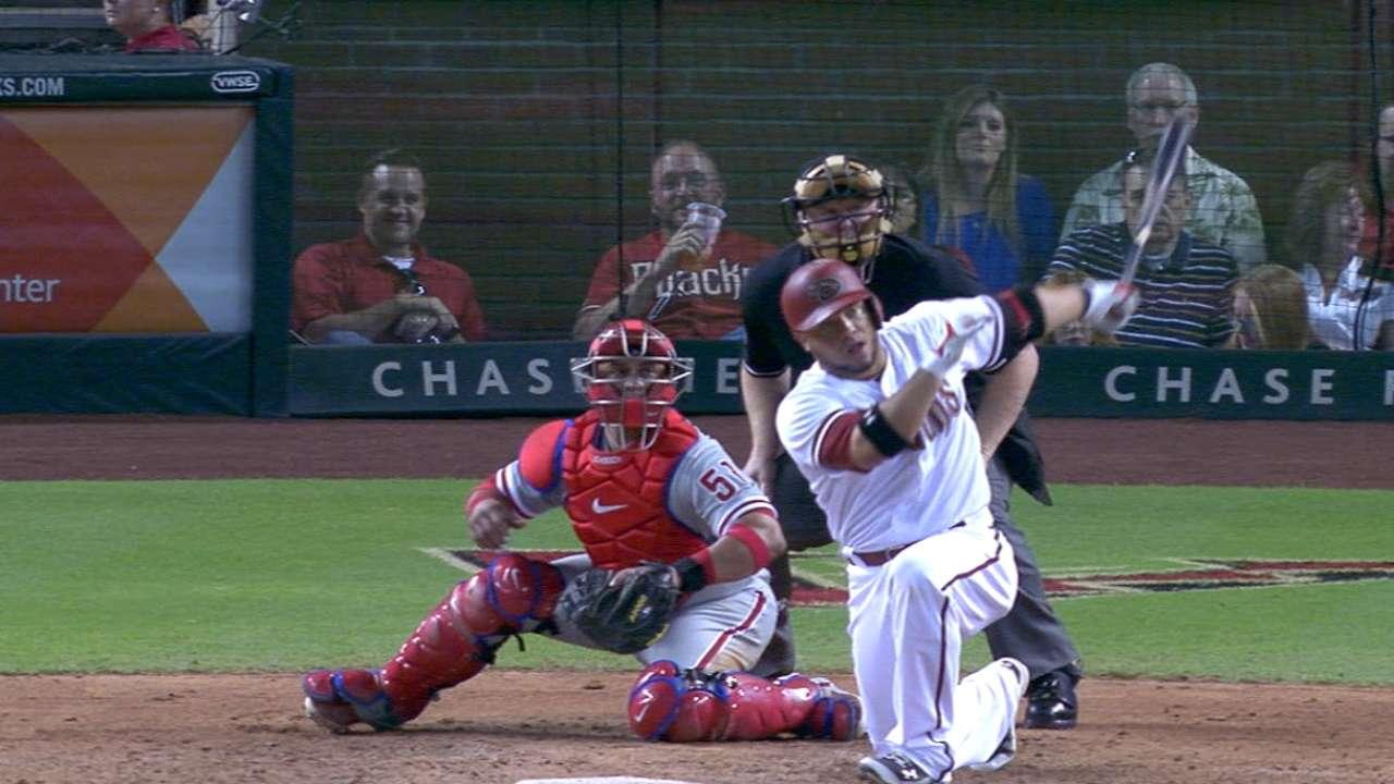 D-backs post 6-run sixth, pound Phillies