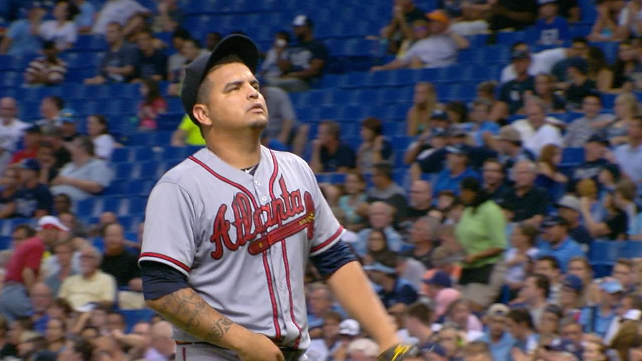 Braves option Perez, leaving rotation vacancy