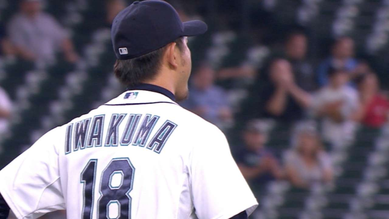 Hisashi Iwakuma le lanza un sin hit ni carrera a Baltimore