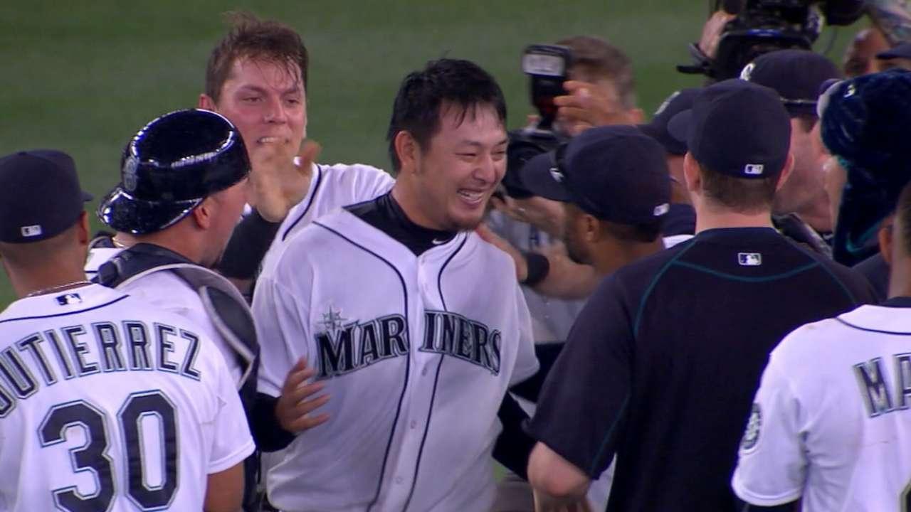 Iwakuma completes no-hitter