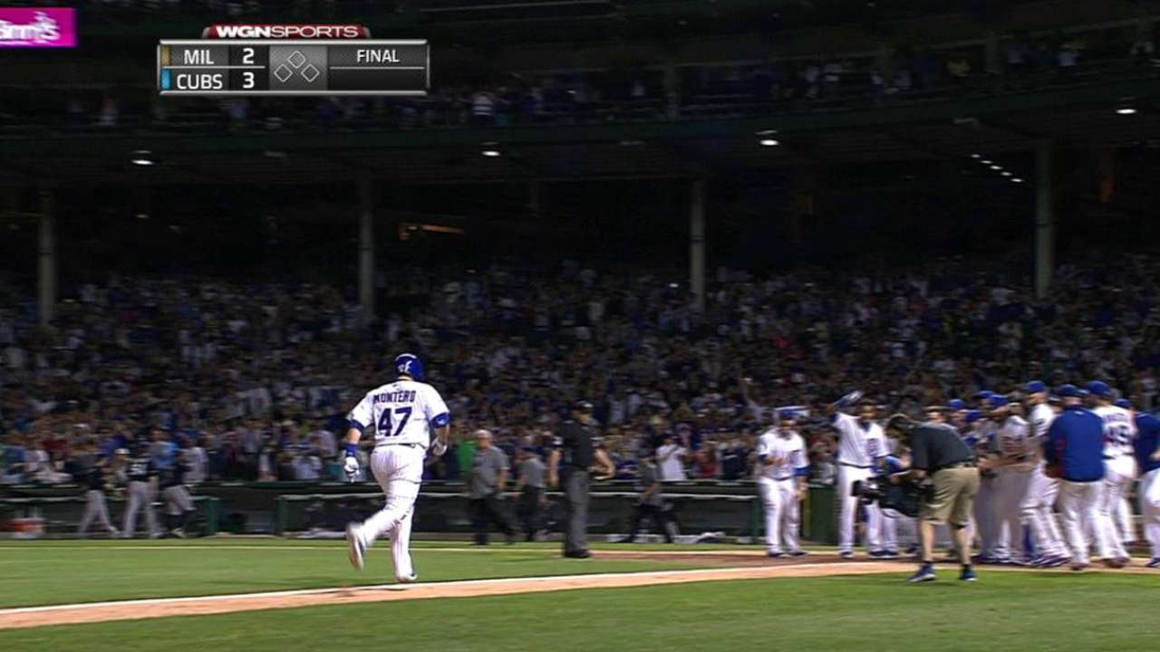 Cubs top Brewers in 10 on Montero's walk-off