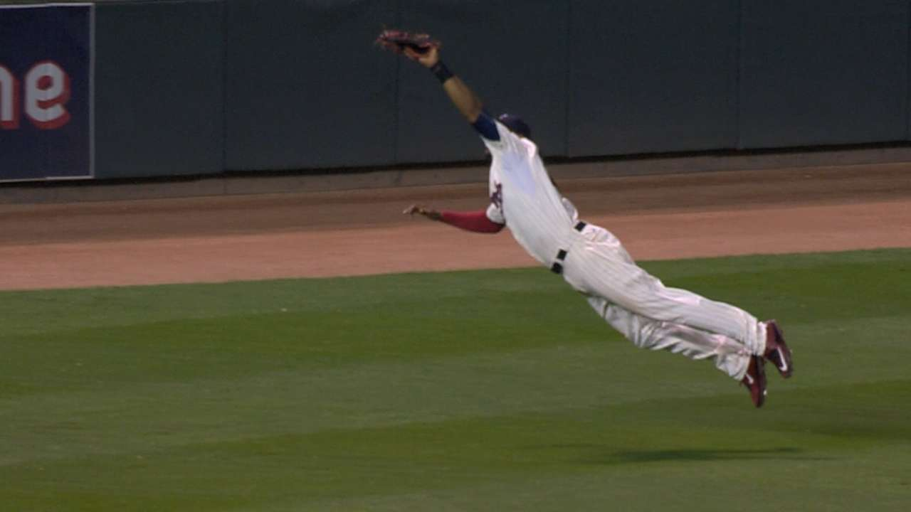 Must C: Hicks' amazing catch