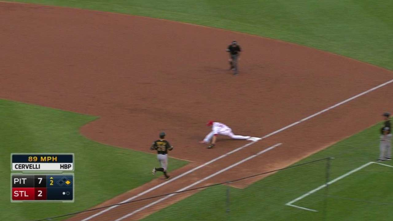 Cardinals give Piscotty a shot at first base