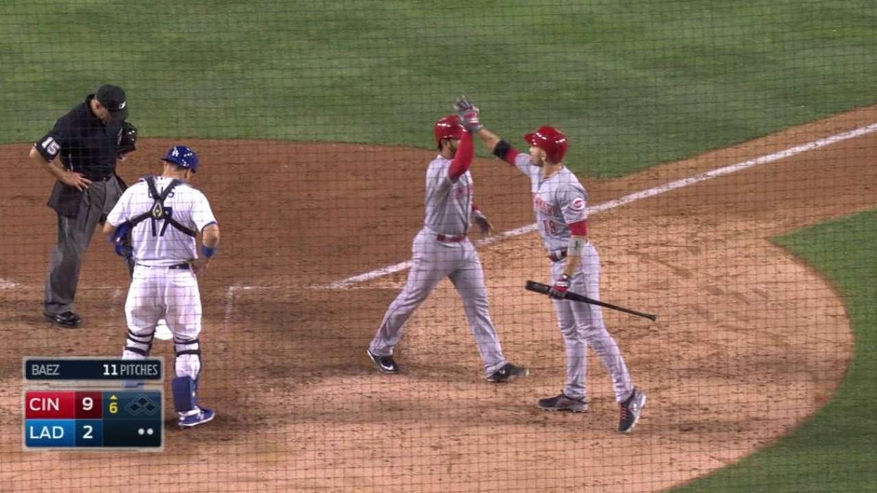 Suarez's three-run homer