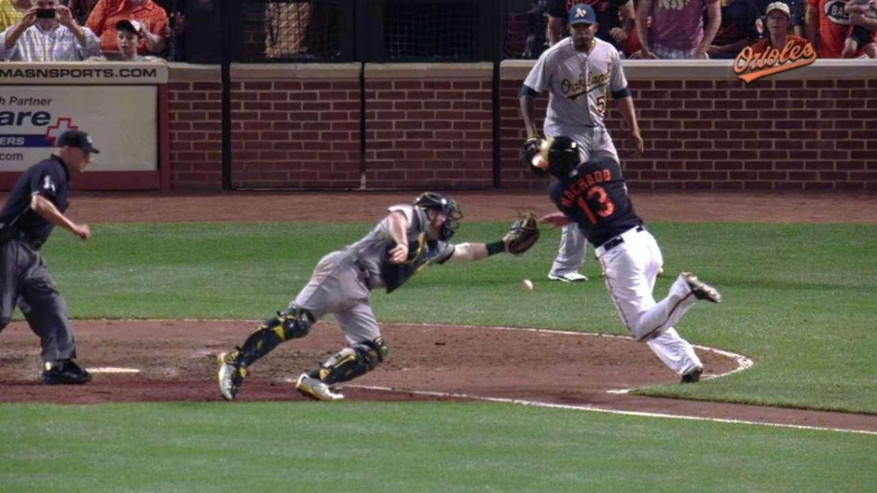 Jones' game-tying sac fly