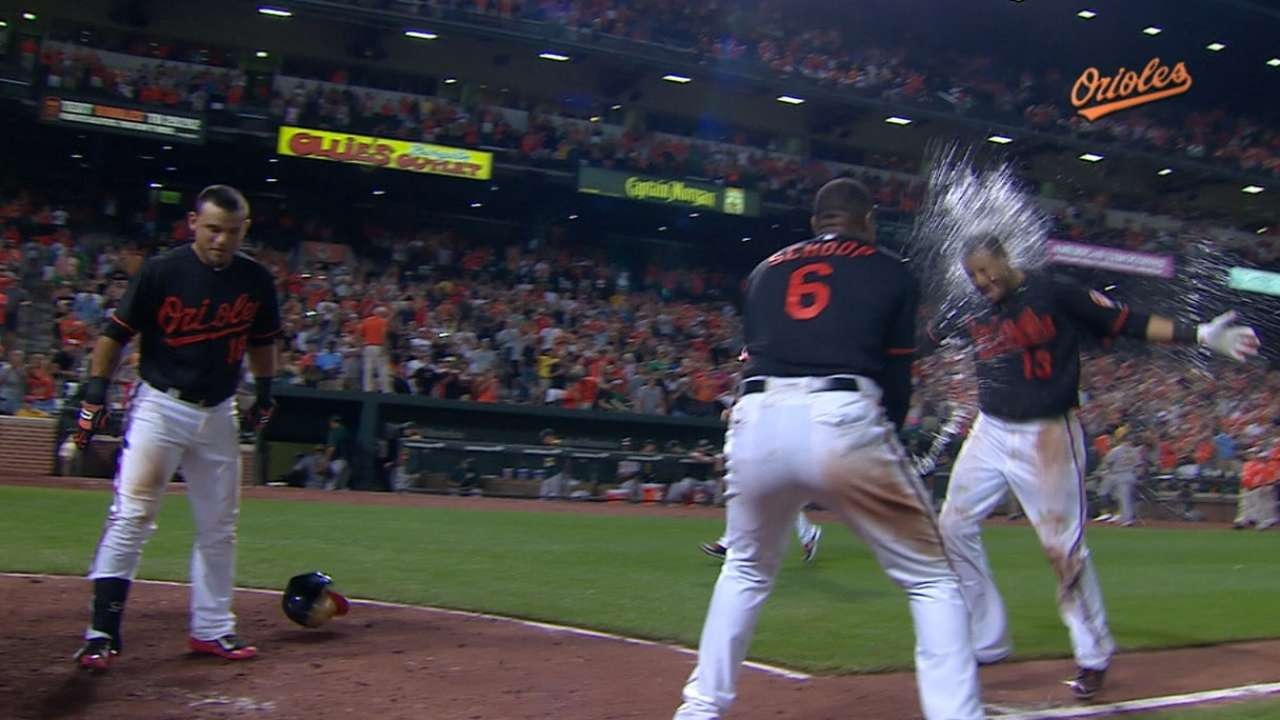 Machado hits walk-off HR to top A's in 13th