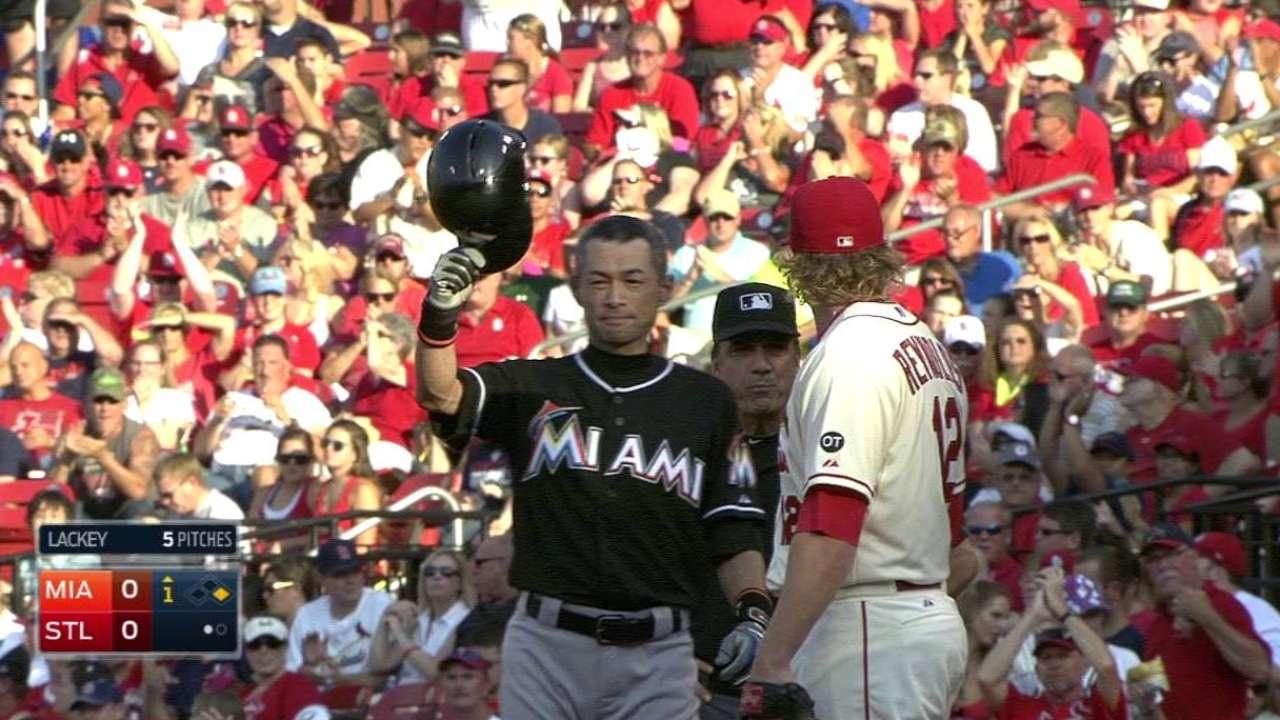 Cardinals impressed by Ichiro's hit milestone