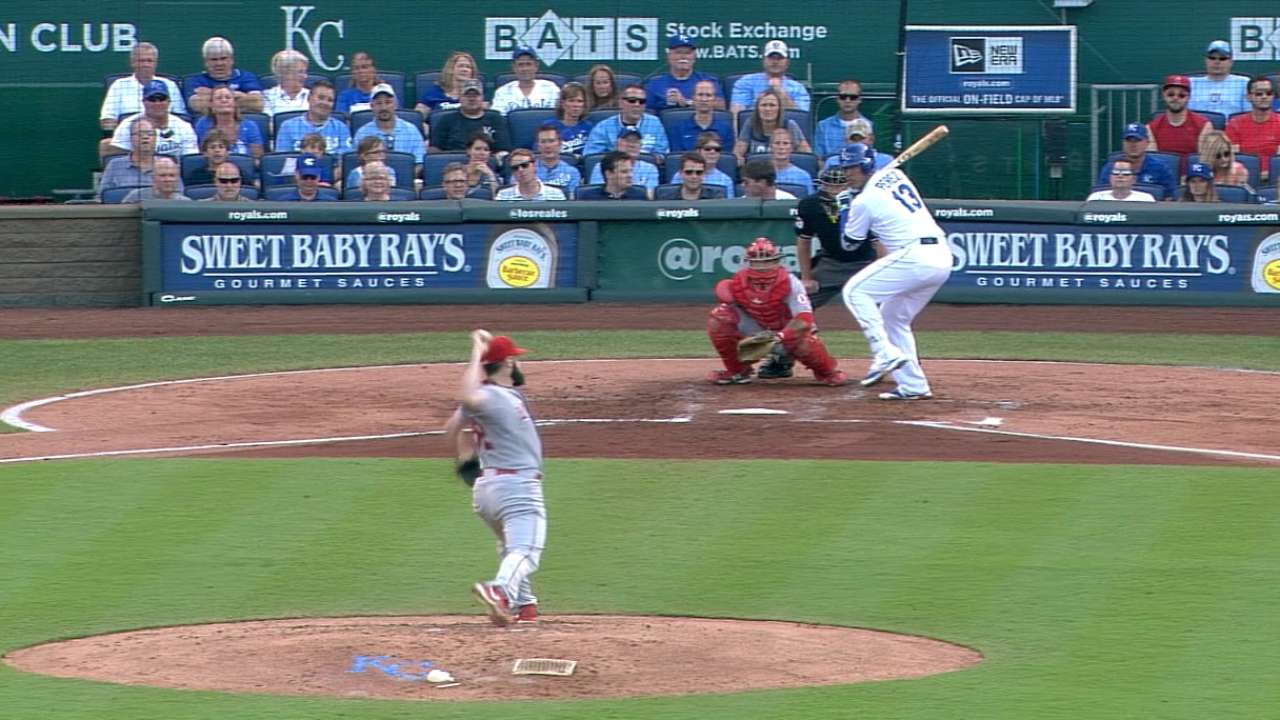 Royals cruise past Angels behind 6-run 2nd