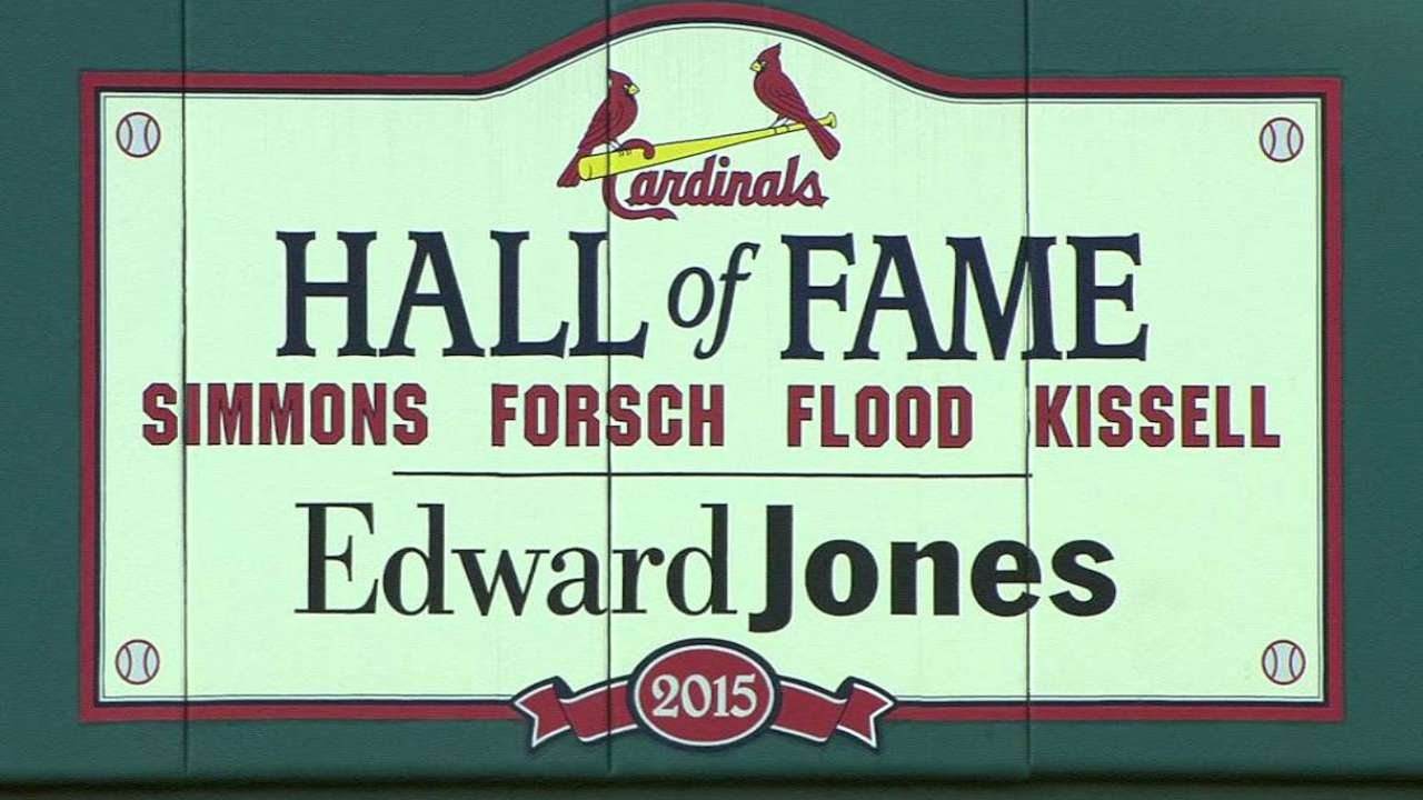 Red jacket means much to new Cards Hall of Famer