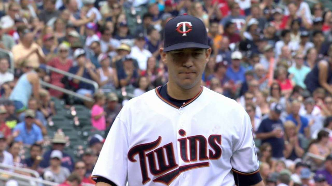 Curve gives Milone win in key battle vs. Gomes