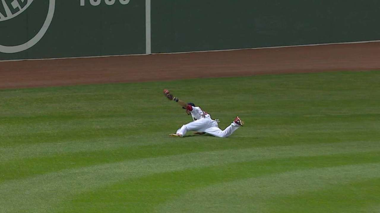 Betts lays out for another amazing grab