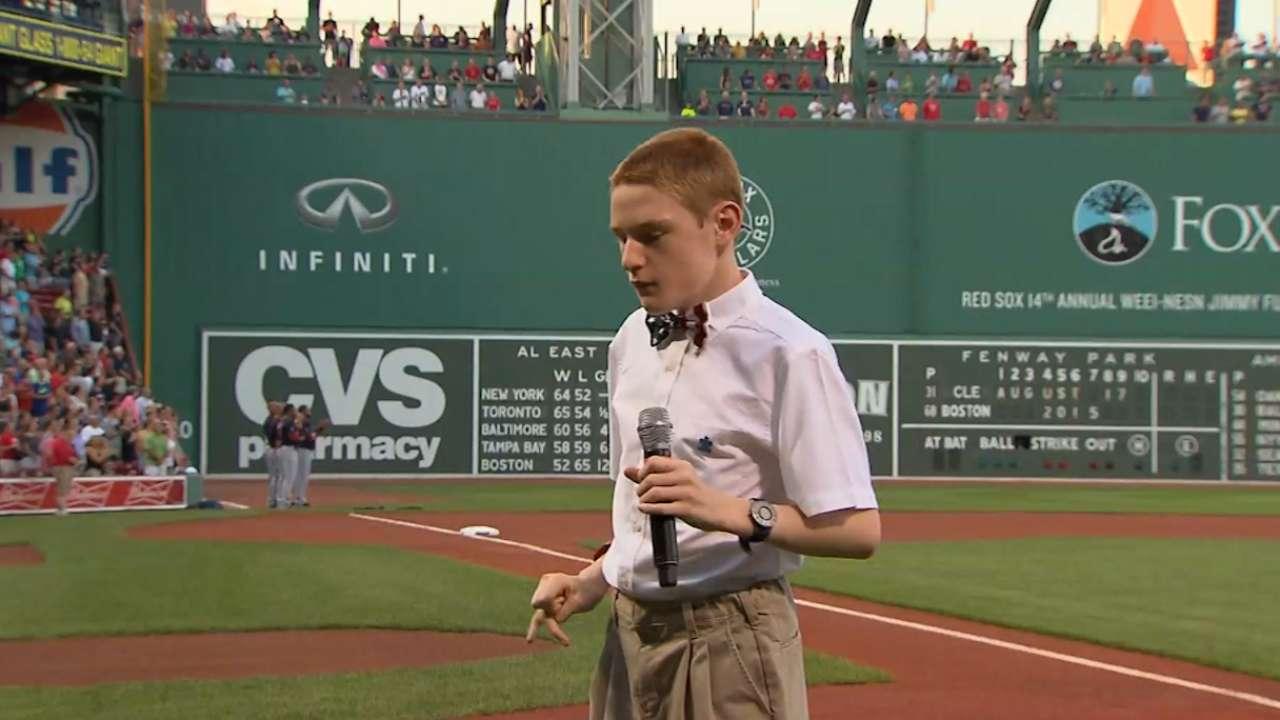 Teen delivers stirring anthem at Fenway