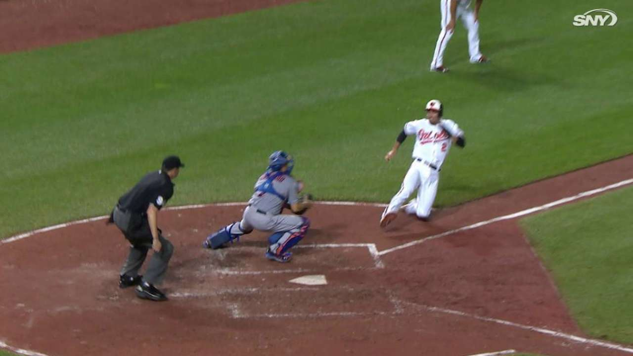 Conforto nabs Hardy at home
