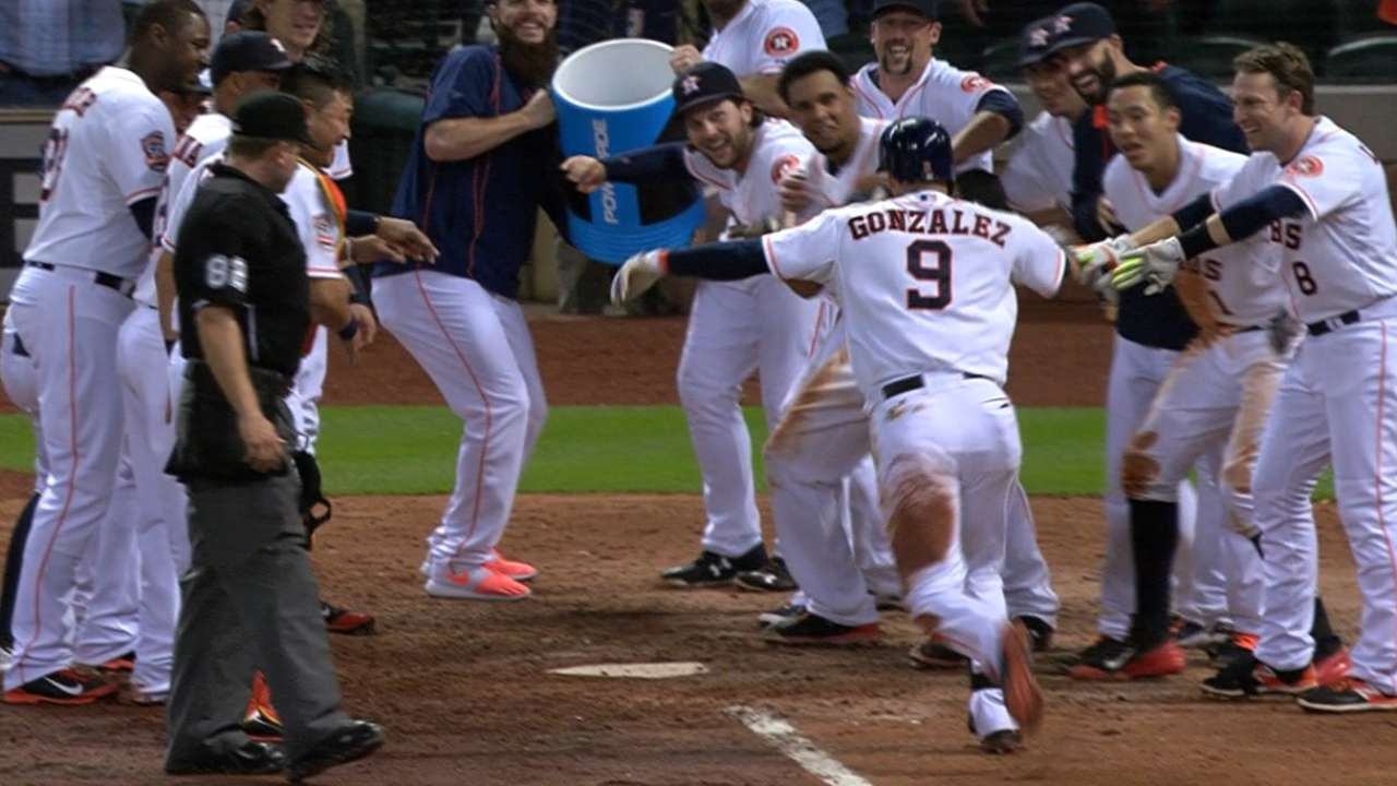 Astros rally in 8th, win on walk-off HR in 10th