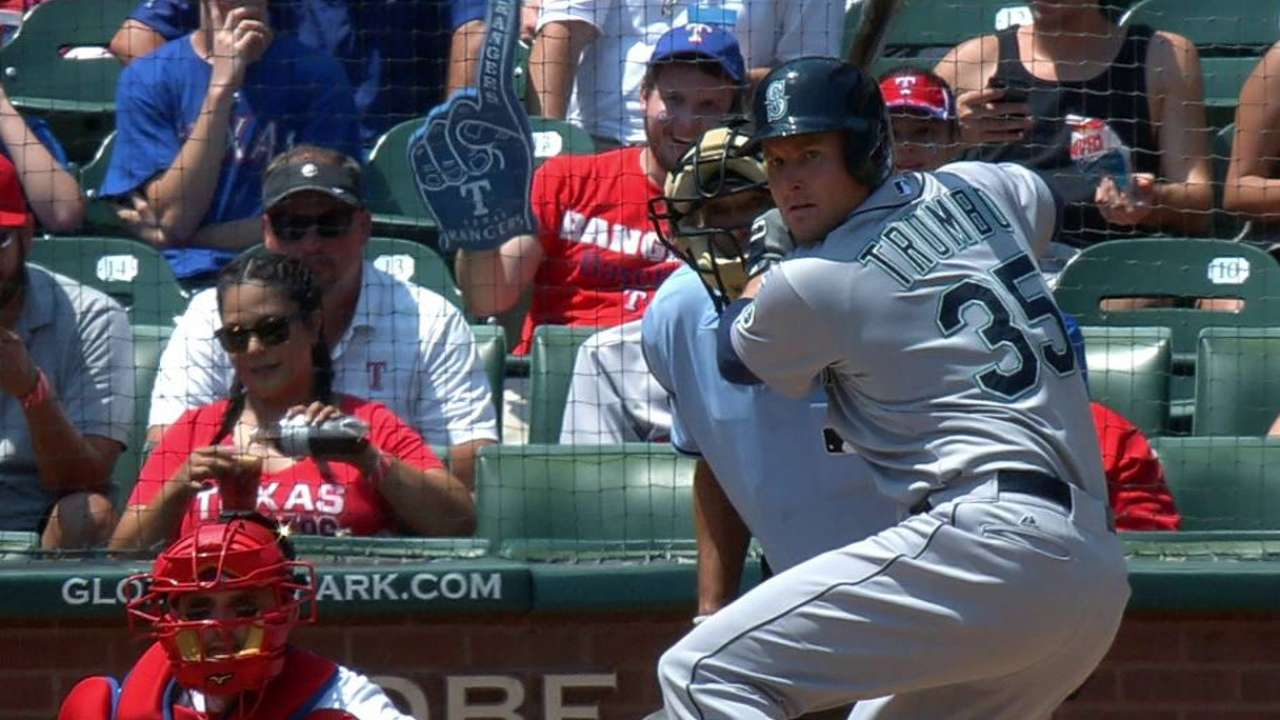 Trumbo quietly finding form with Mariners