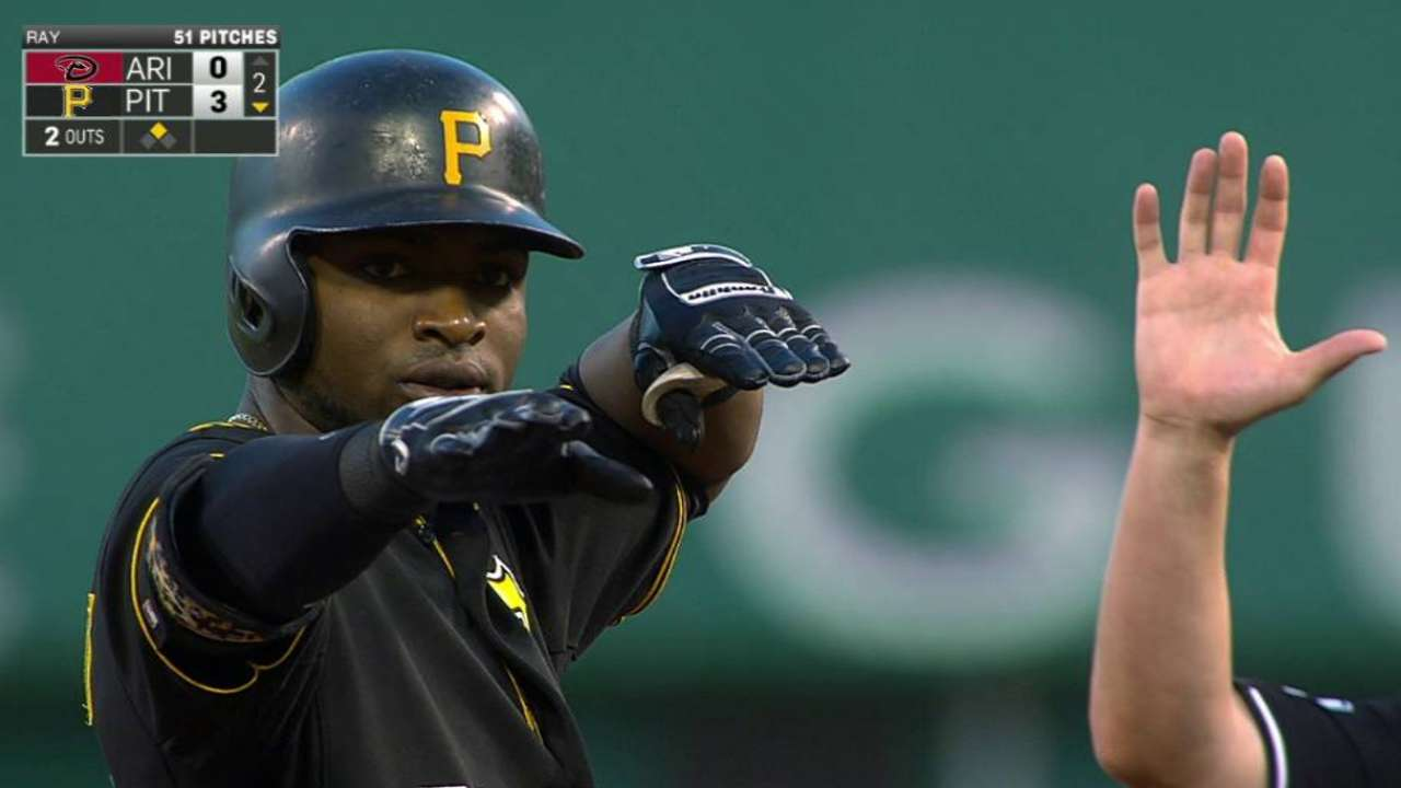Pirates stay hot at home, take series vs. D-backs
