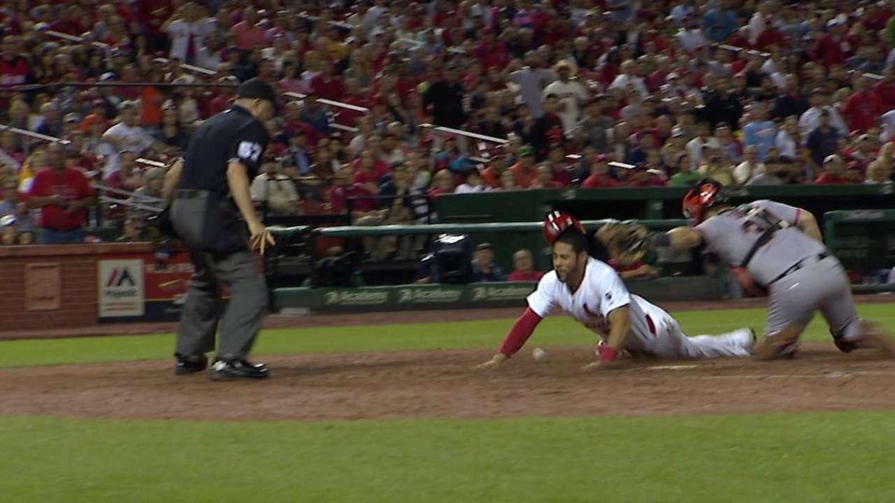 Carpenter's RBI fielder's choice