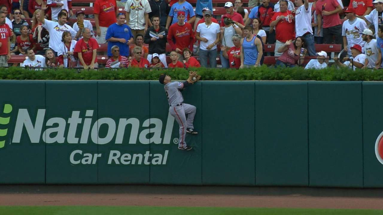 Perez scales wall for stupendous catch