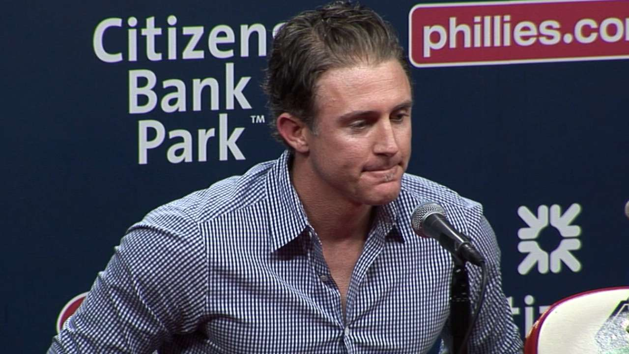Phillies deal Utley to Dodgers for two prospects