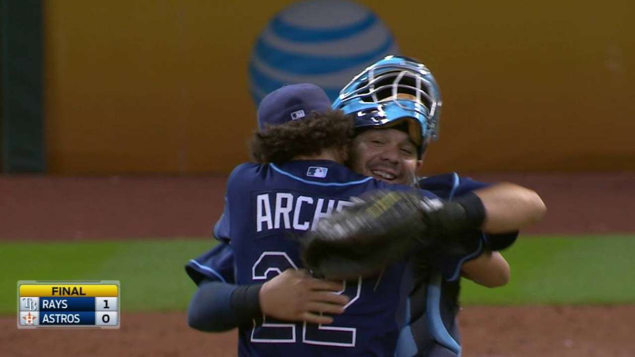 Archer completes one-hit shutout