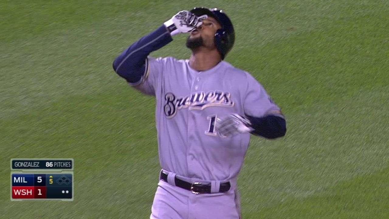 Santana's two-run homer