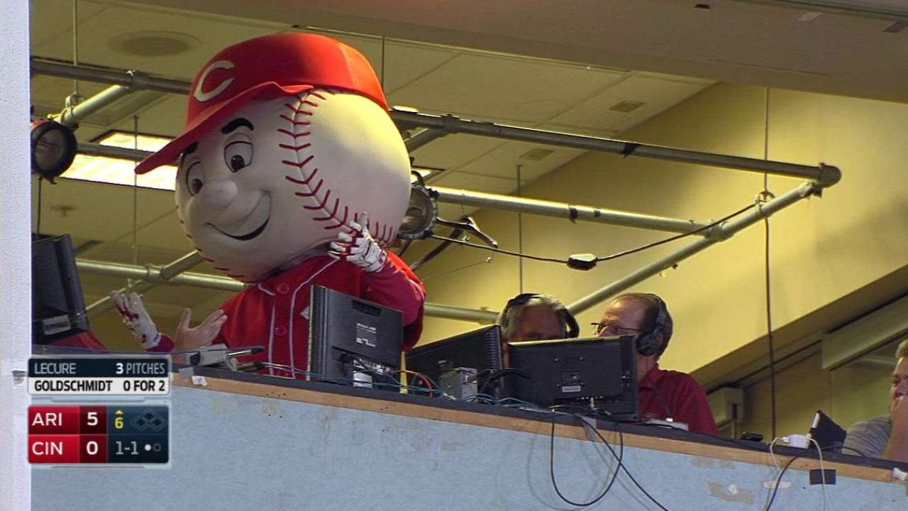 Mr. Red joins the D-backs' booth