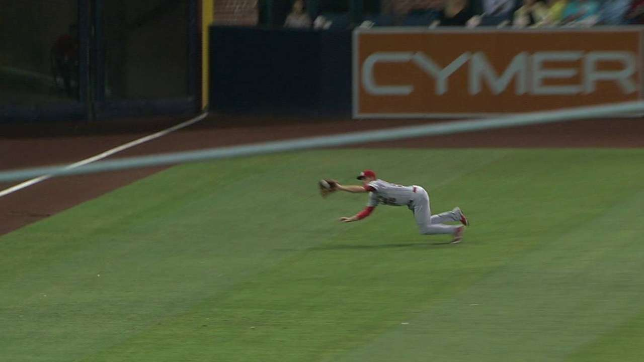 Piscotty's diving grab