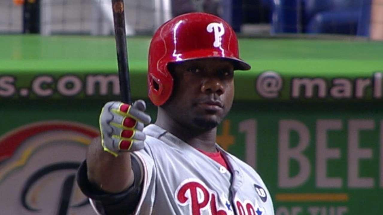 Howard hits 3 doubles, climbs Phillies' RBI list