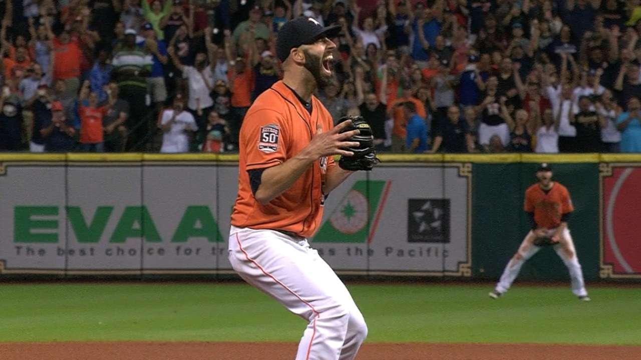 No-hit masterpiece earns Fiers AL POW nod