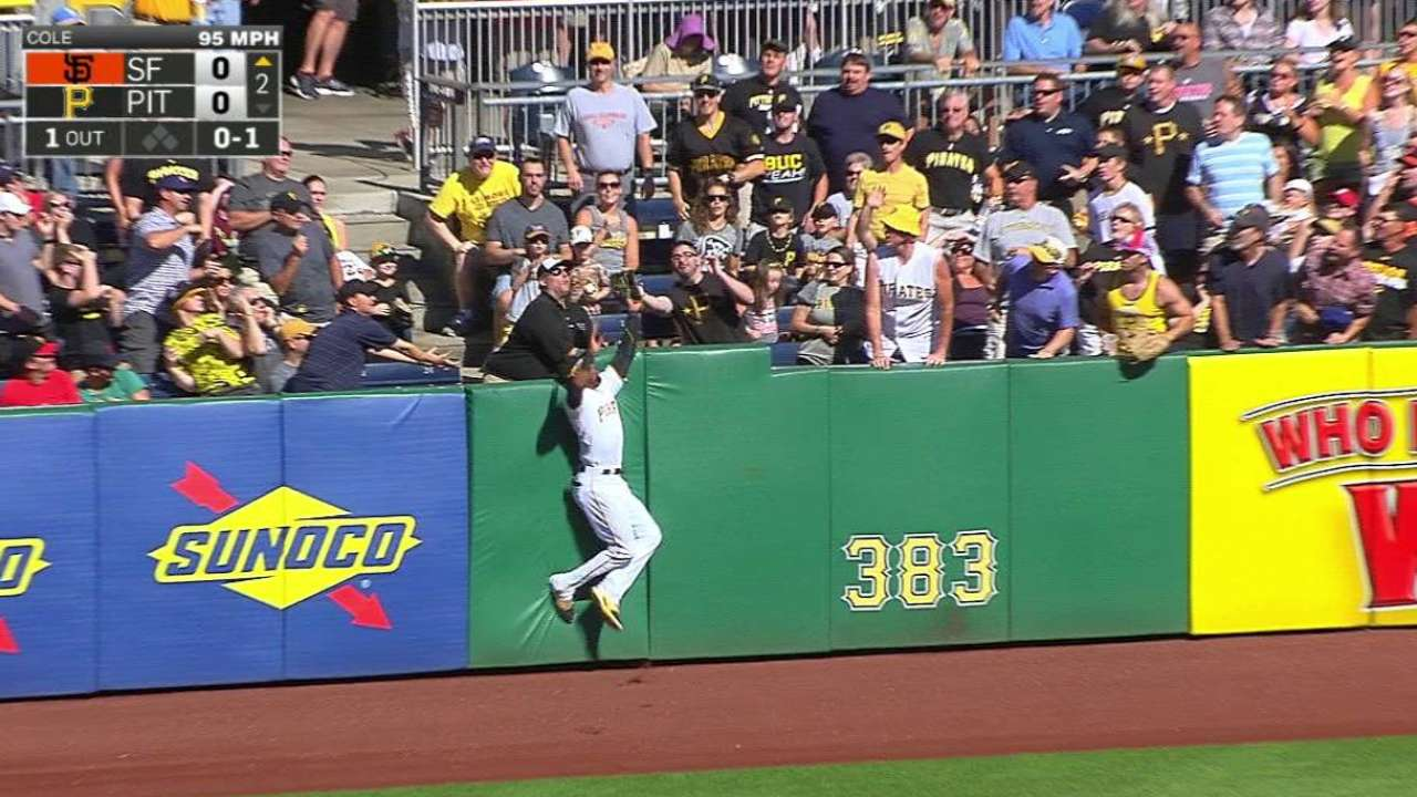 Marte's leap steals home run from Giants