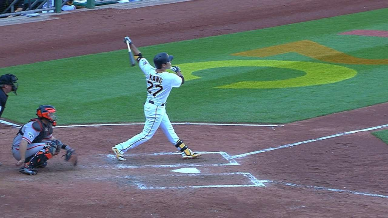 Seeking 'another level,' Kang hits two homers